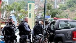 brasil-rio-de-janeiro-rocinha-tiroteio-tunel-20140216-01-size-598